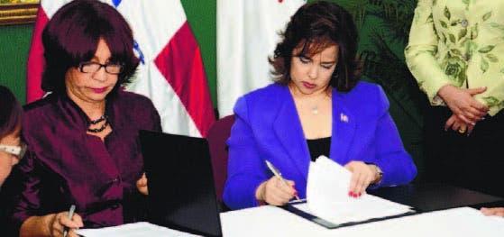 Firmaron el acuerdo Bernarda Castillo y Yocasta Guzmán