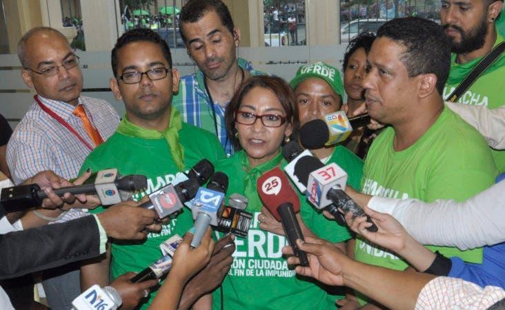 Una comisión de los diferentes grupos que integran el colectivo Marcha Verde.
