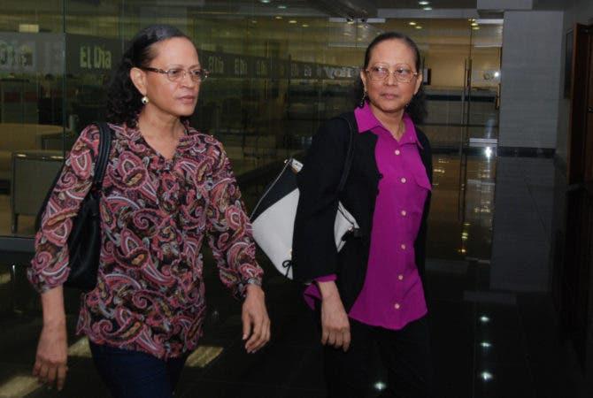 Las mellizas Margarita y Altagracia Aquino, de 56 años, visitaron las instalaciones de los medios de comunicación Corripio. Ho/ Aracelis Mena. 23/02/2017