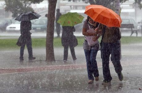 Provincias en alerta son 18 ahora; lluvias dañan casas y electricidad
