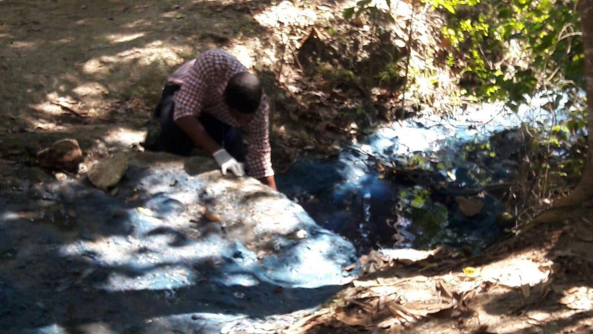 Video: Medio Ambiente interviene laguna Mallén tras denuncia de contaminación