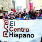 Latinos protestan contra las política del presidente Donald Trump, en Charlotte, Carolina del Norte