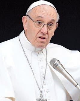 El papa critica el uso de móviles por fieles e incluso obispos durante misas