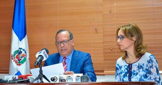 SNS anuncia 10 nuevos directores para hospitales; 13 plazas quedaron desiertas