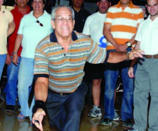 Papi Santana en el torneo de boliche que le dedicaron en SBC