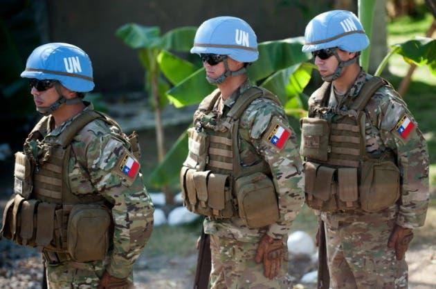 Se trata de 394 militares chilenos que aún permanecen en el país caribeño y que en su mayoría deberían abandonar el país antes del 30 de abril. Fuente externa.