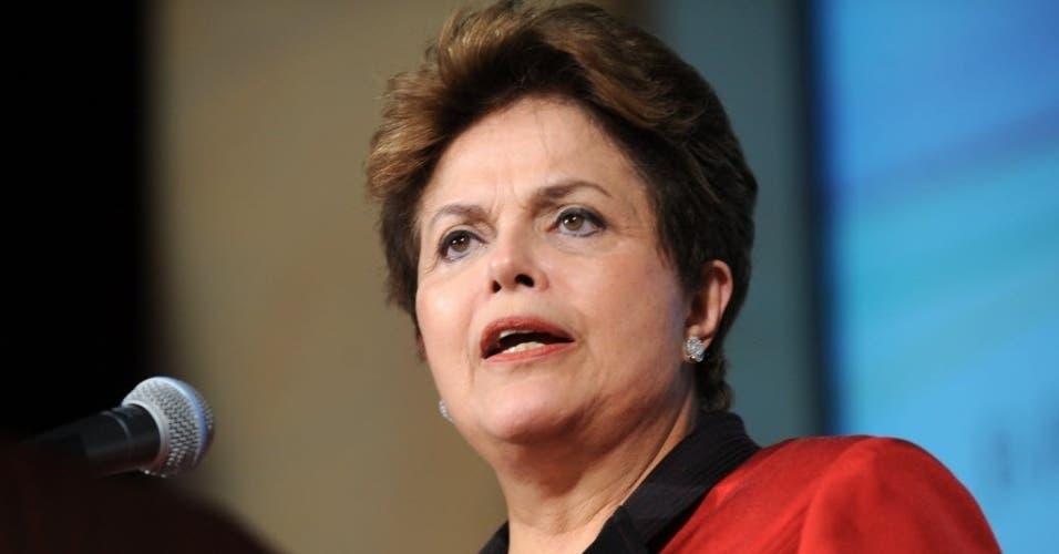 """Rousseff acusa a Temer de dar """"golpe social y democrático"""" además de político"""