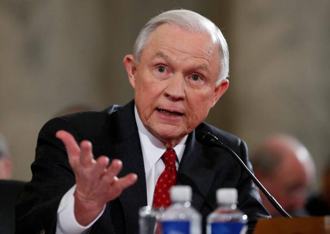 Sessions conversó dos veces con el embajador ruso