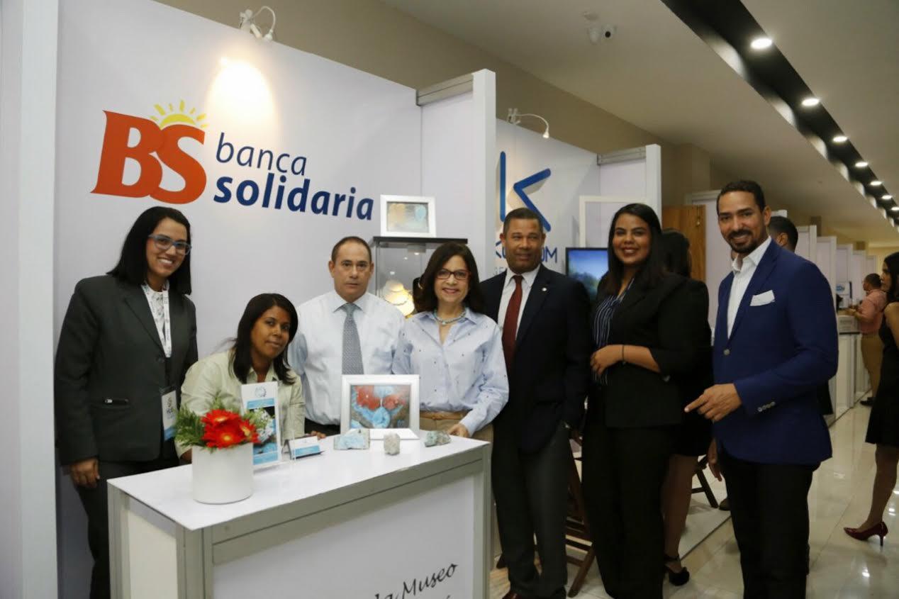 Directora de Banca Solidaria llama a los empresarios a internacionalizar el Larimar