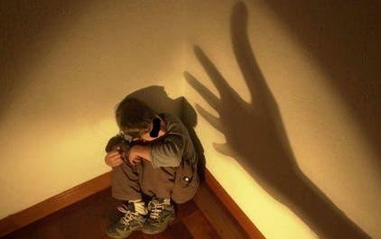Entrenador le pidió a niño llevar bate a almacén y allí lo agredió sexualmente