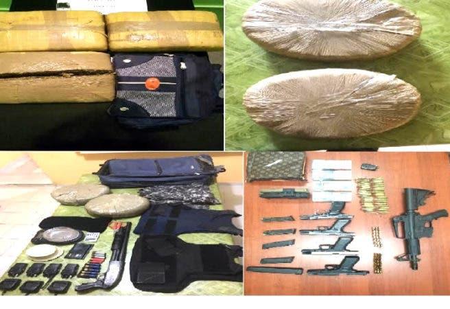 Armas y pacas de marihuana ocupadas por la DNCD/Foto: DNCD