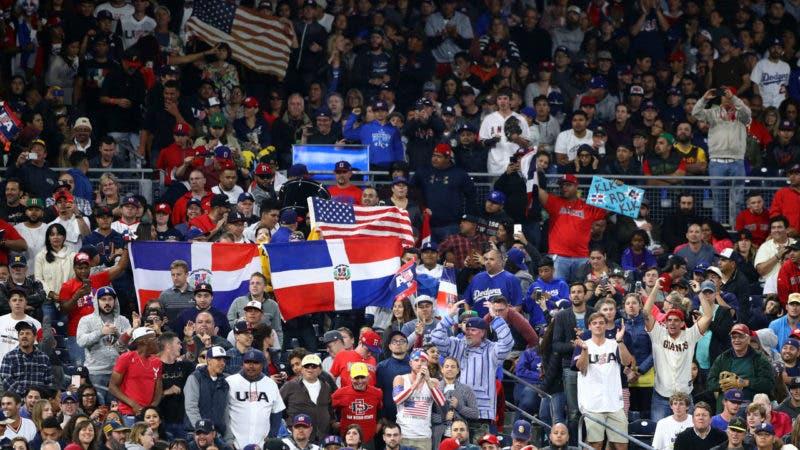 El juego del sábado entre Estados Unidos y República Dominicana en San Diego se jugó a casa llena  con una asistencia de 43.002 personas.