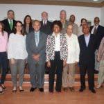 .-Los miembros del Consejo Editorial posan tras concluir el almuerzo en el que el ministro Pedro Vergés  formalizó su creación.
