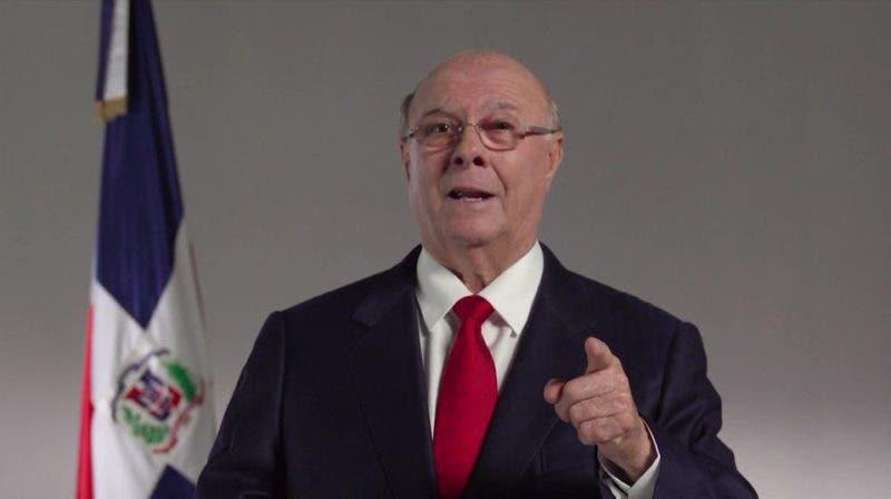 Ing.Hipolito Mejia durante su discurso. Hoy/Fuente Externa 6/3/17