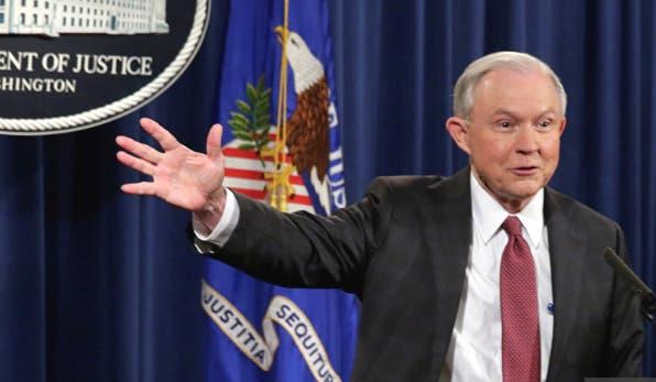 Gobierno de EEUU pide renuncia a 46 fiscales nombrados por Obama