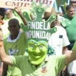 Una persona luce una careta verde en la que se lee Fin de la Impunidad/Foto tomada de las redes.