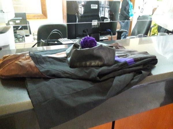 Awilda Reyes entregó su toga y birrete   via secretaría de la Suprema Corte de Justicia. Foto: @Roberto58664404 .