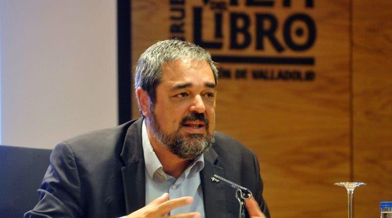 Carlos Aganzo.