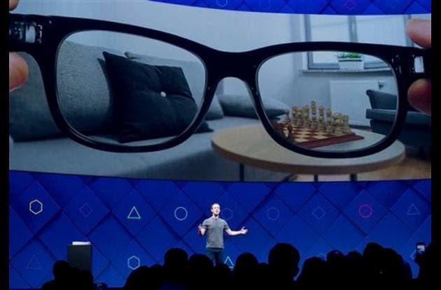 """Facebook anuncia planeas de realidad """"aumentada"""""""