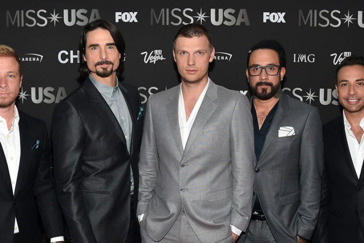 Los Backstreet Boys traen la nostalgia a los Premios ACM