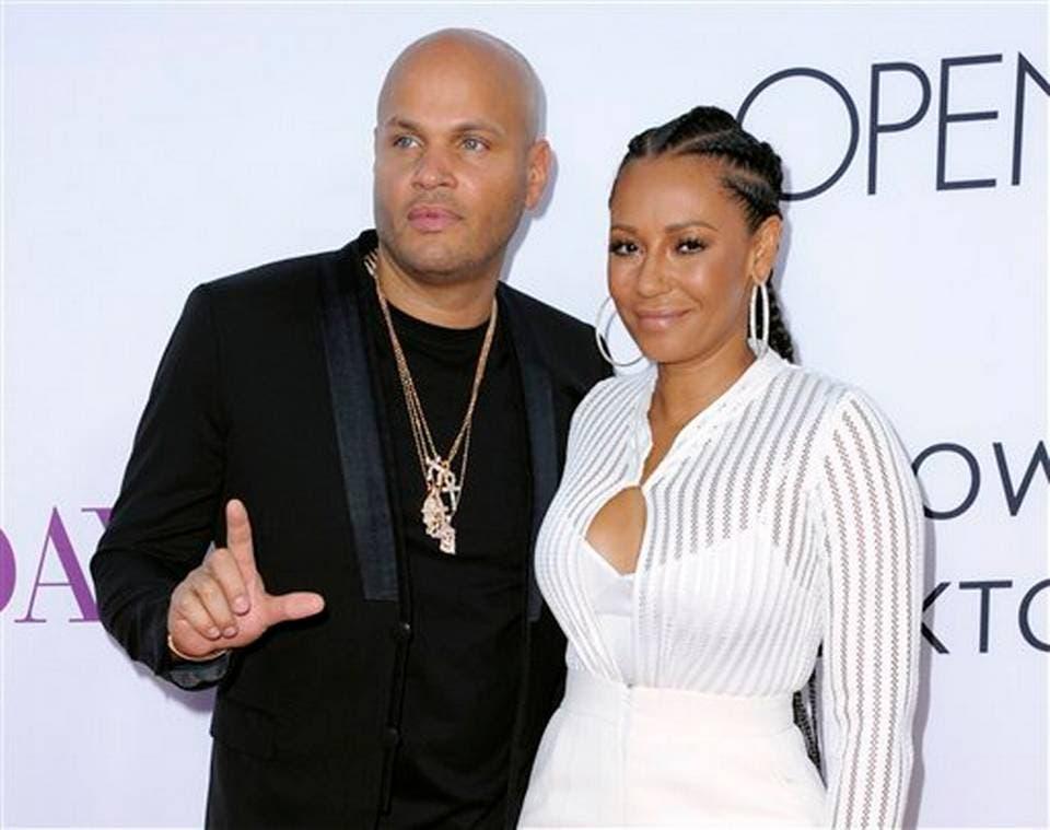 Mel B acusa a su esposo de abuso en documentos de  la corte
