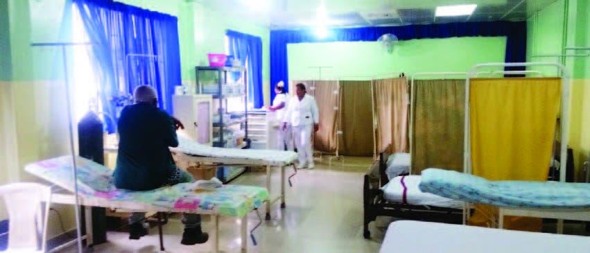 El CMD denuncia precariedades afectan hospital Salcedo; directora admite fallas