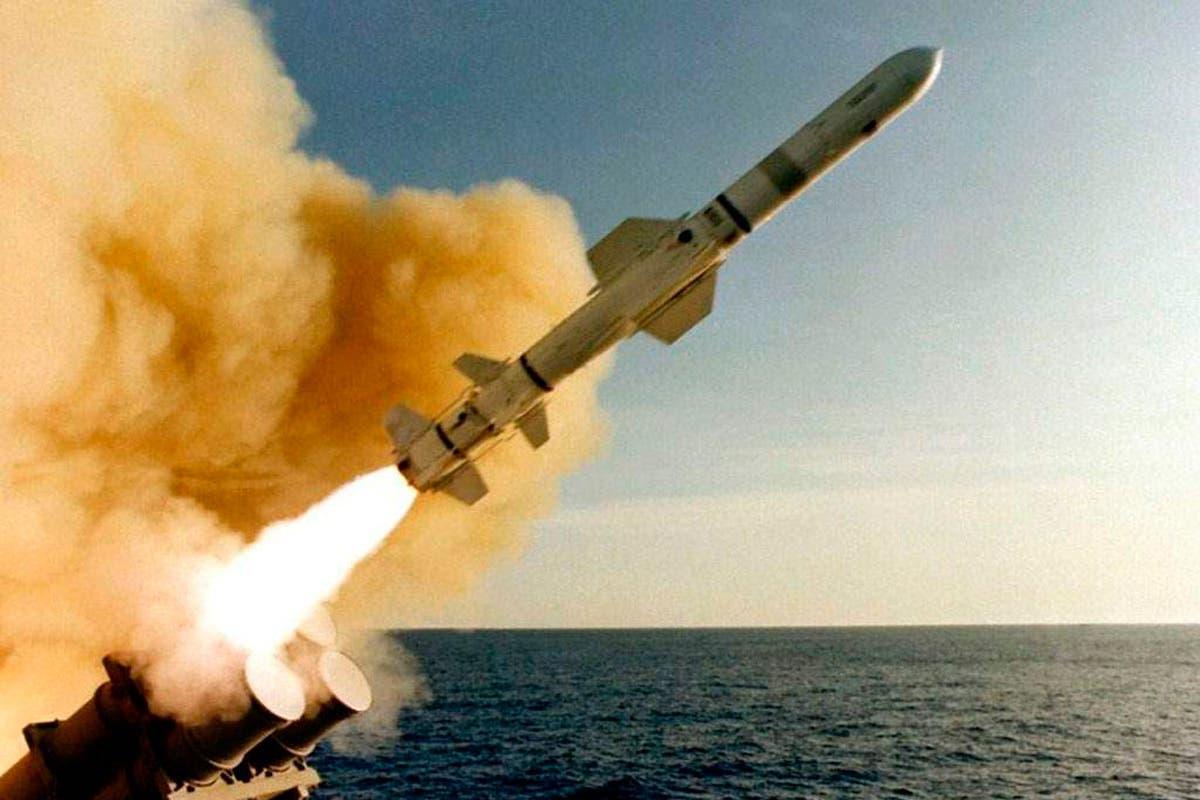 Israel advierte a los árabes sobre ataque con misiles