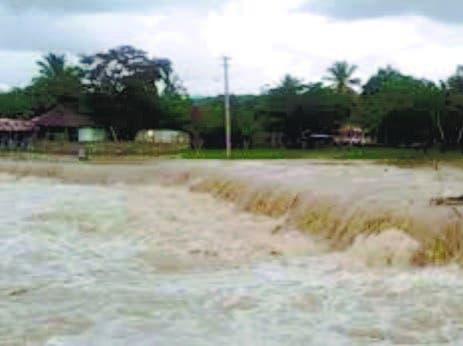 Desplazados por lluvias suben a 9,045; COE mantiene 25 provincias en alerta