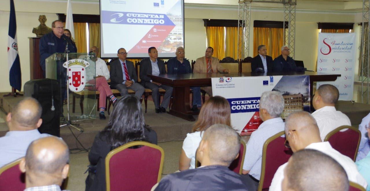 Presidente CCRD exhorta a los alcaldes dar un uso correcto a los fondos públicos