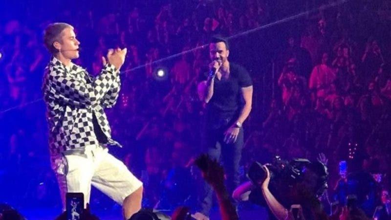 El cantante puertorriqueño Luis Fonsi fue hoy la estrella invitada en el concierto ofrecido por el canadiense Justin Bieber. Fuente externa.
