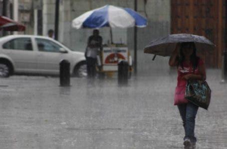 Onamet prevé aguaceros y tronadas por incidencia de onda tropical y vaguada