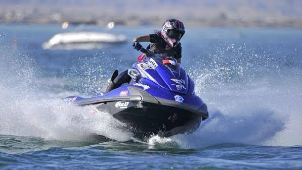 MITUR prohíbe uso de equipos de motor en las playas y balnearios