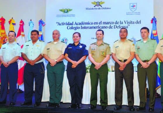 Presidente dominicano recibe a directivos Colegio Interamericano de Defensa