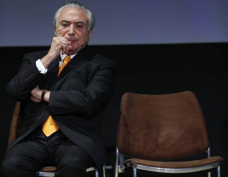 Presidente de Brasil insiste en que se mantendrá en su cargo