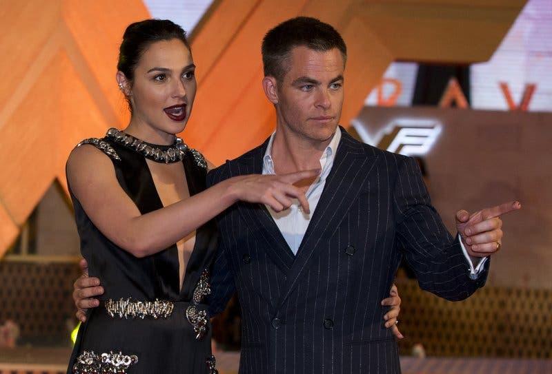 """Gadot y Jenkins presentan """"Wonder Woman"""" en México"""