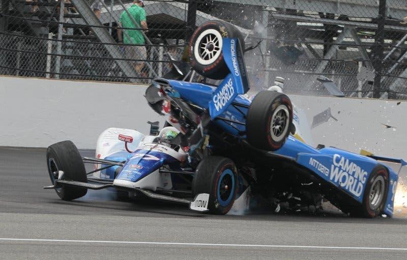 Aparatoso accidente deja a Dixon fuera de Indy 500