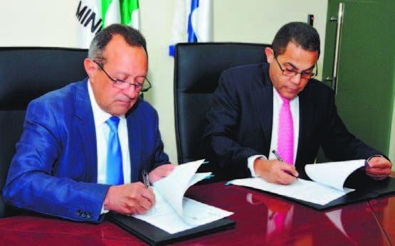 Agricultura anuncia capacitará en tres años 54,765 técnicos