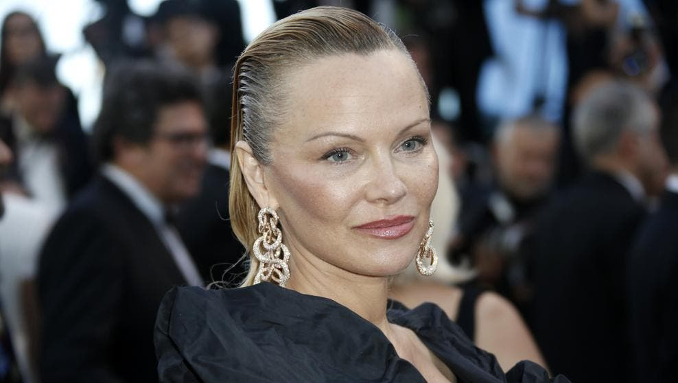 Pamela Anderson, irreconocible en la alfombra roja de Cannes