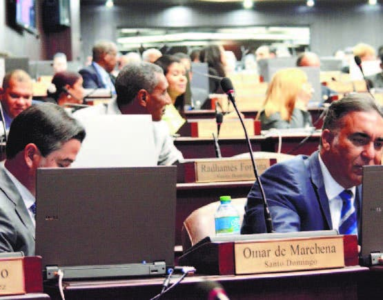Diputados eliminan matrimonio entre menores del Código Civil