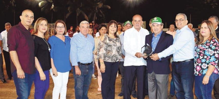 La Liga Soprovis dedica torneo de softbol a Franklin León