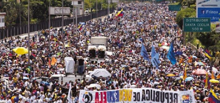 Más de 200 mil personas piden renuncia de Maduro