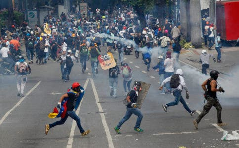 Fallo contra bloqueos aumenta tensión Venezuela