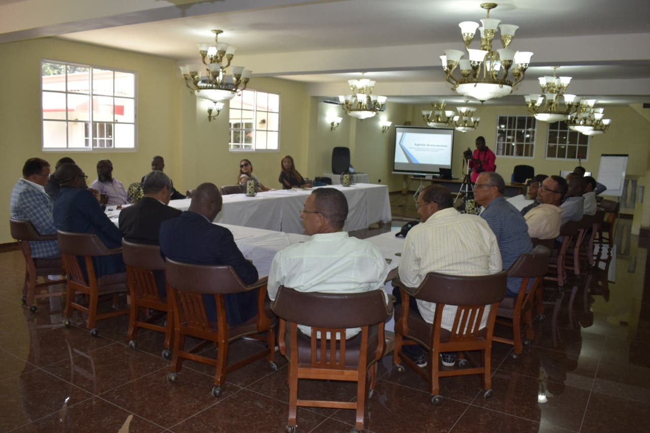 Alcaldes de RD y Haití se reúnen para tratar problemática entre ambos países