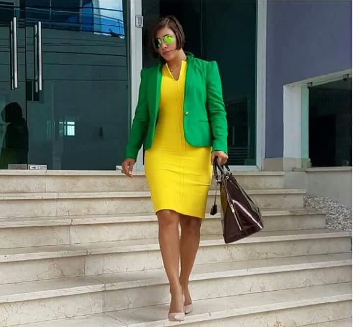 """""""La Condesa"""" dijo que el verde no es exclusividad de nadie. """"Yo uso todos los colores en mi vestuario y suelo ir al Plan Social así y nunca he tenido problemas"""", manifestó Villalona a los cuestionamientos de sus seguidores, quienes le cuestionaban por una foto en la que se le aprecia vestida de verde y saliendo de un lugar."""