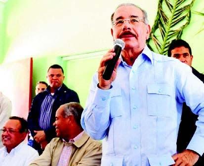 Presidente Medina promete aumento de salario mínimo a productores agrícolas