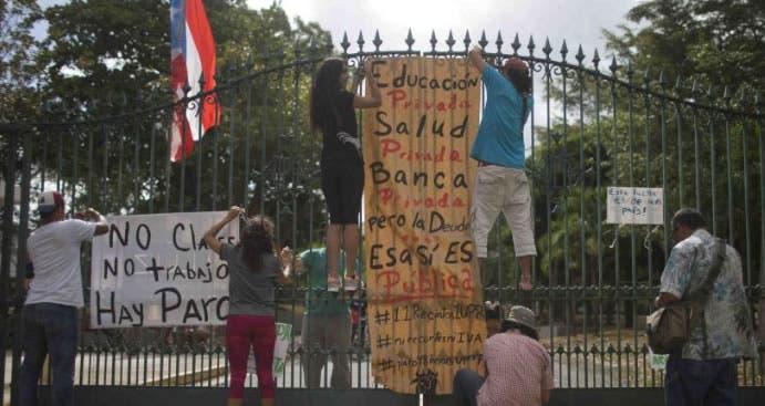 Estudiantes de Puerto Rico continuarán huelga tras más de un mes