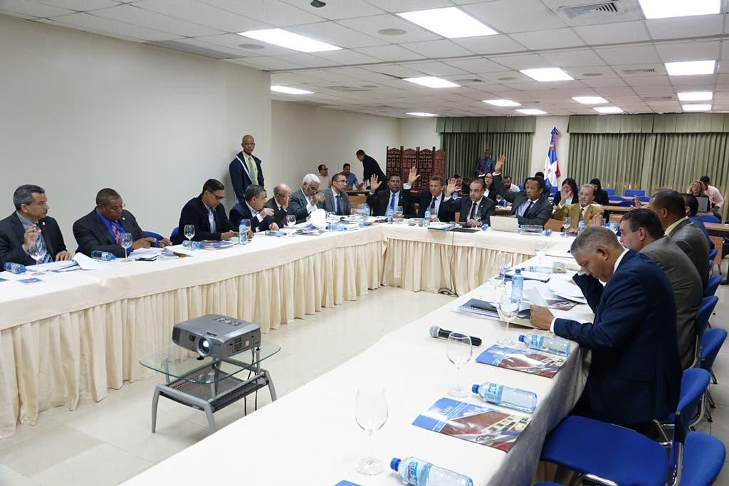 Comisión  acoge 19 artículos de proyecto Ley de Partidos