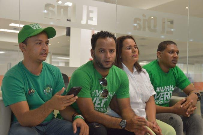 Yasel Marrero, Inabel Ramírez, Joselin Melo y John Rossó, ellos son miembros de la Marcha verde. Hoy/ Napoleón Marte .