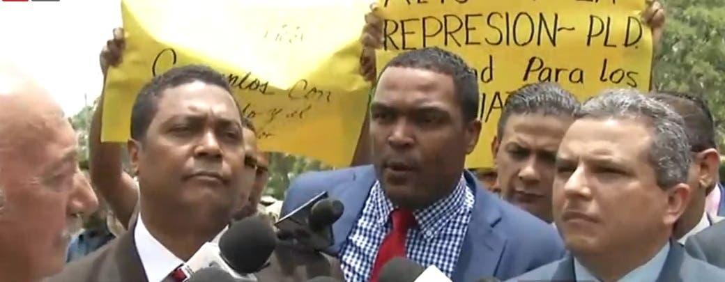 Legisladores deploran agresión a jóvenes instalaban campamento frente a Procuraduría