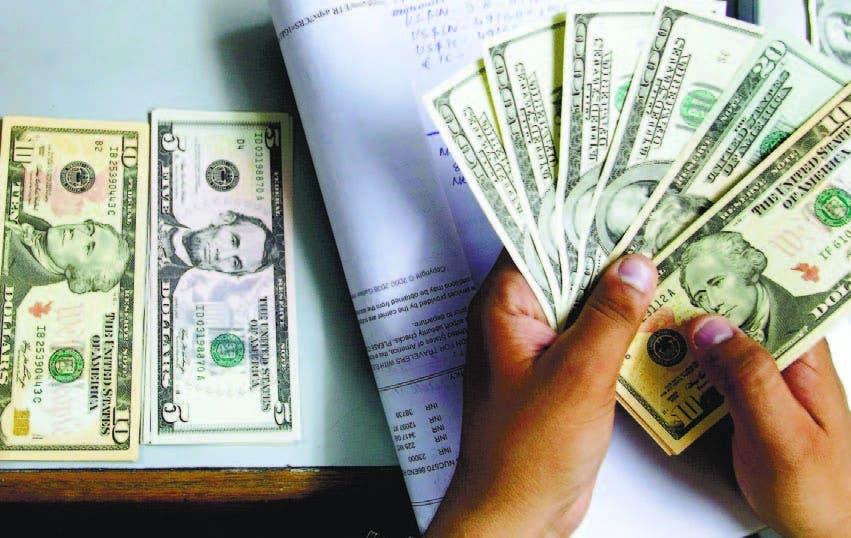 Cómo US$74.000 millones en bonos quebraron a PR